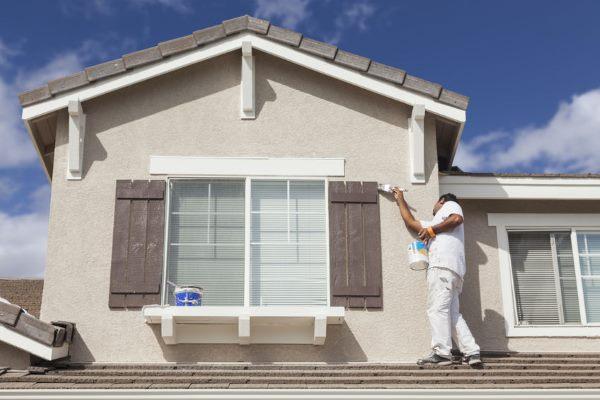 התקנת תריסים בשיפוץ דירה